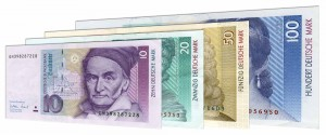 Deutsche Mark banknotes accepted for exchange