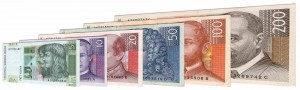 Withdrawn Croatian kuna banknotes accepted for exchange